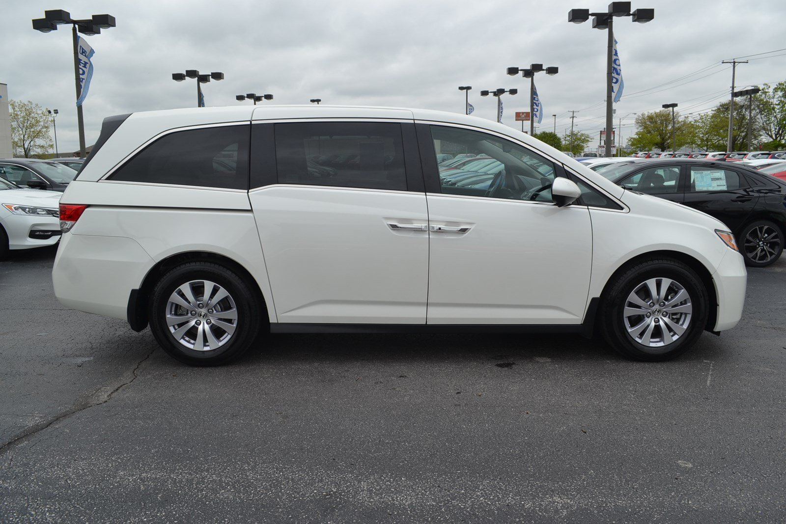 certified pre owned 2015 honda odyssey ex l 4d passenger van near fort wayne 17765a don ayres. Black Bedroom Furniture Sets. Home Design Ideas